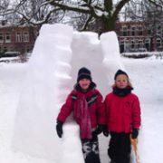 Knap bouwwerk in het park!...